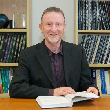 Professor RON RAPEE - Comitato Scientifico inTHERAPY